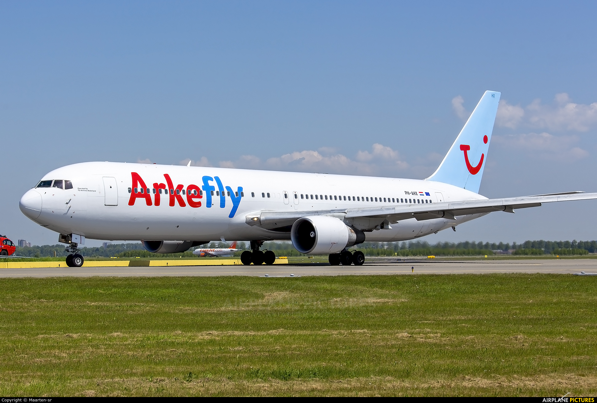 Arke/Arkefly PH-AHX aircraft at Amsterdam - Schiphol
