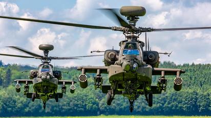 77043 - USA - Army Boeing AH-64D Apache
