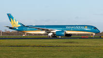 Vietnam Airlines A359 visited Dusseldorf title=