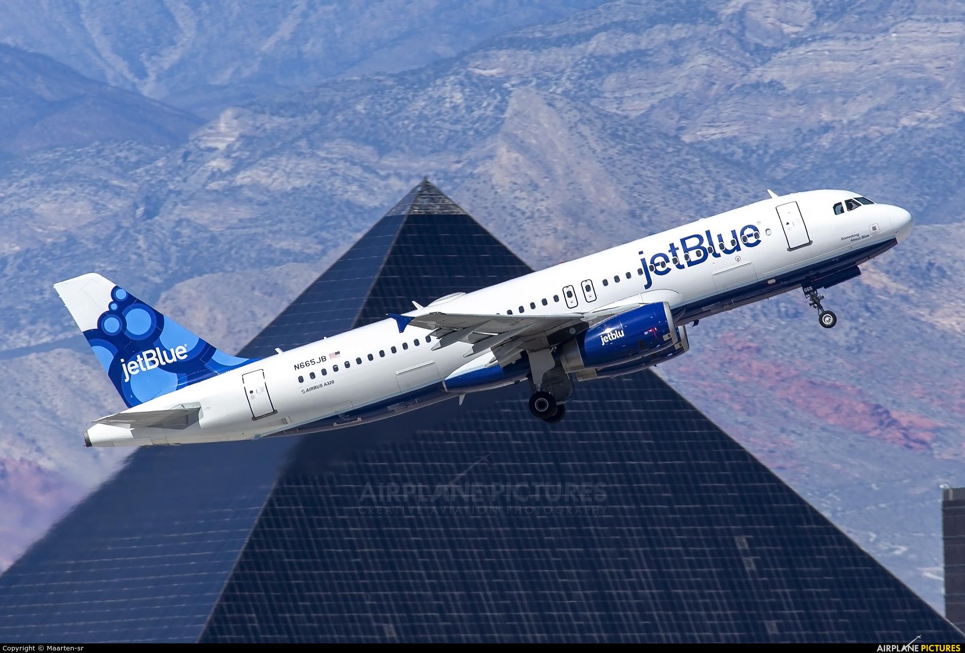 JetBlue Airways N665JB aircraft at Los Angeles Intl