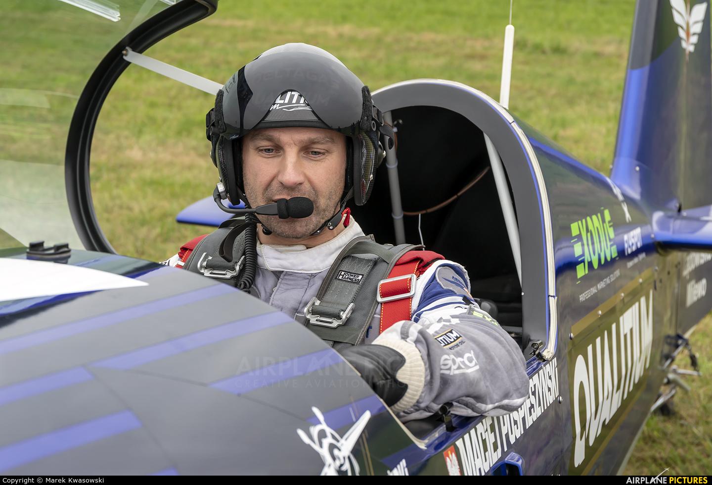 Maciej Pospieszyński - Aerobatics SP-YOO aircraft at Chrcynno