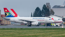 South African Airways A319 visited Ostrava for repainting  title=