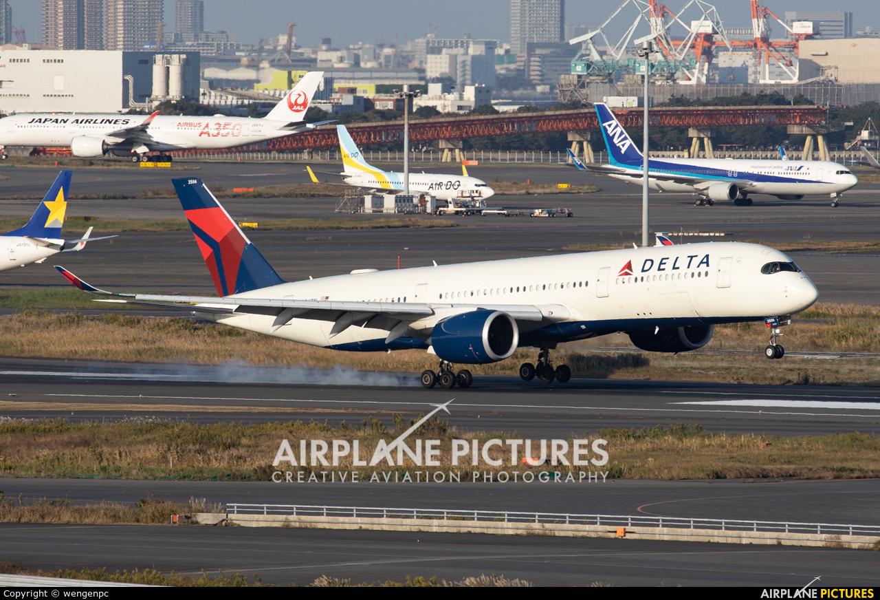 Delta Air Lines N506DN aircraft at Tokyo - Haneda Intl