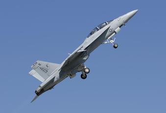 166677 - USA - Navy McDonnell Douglas F/A-18F Super Hornet