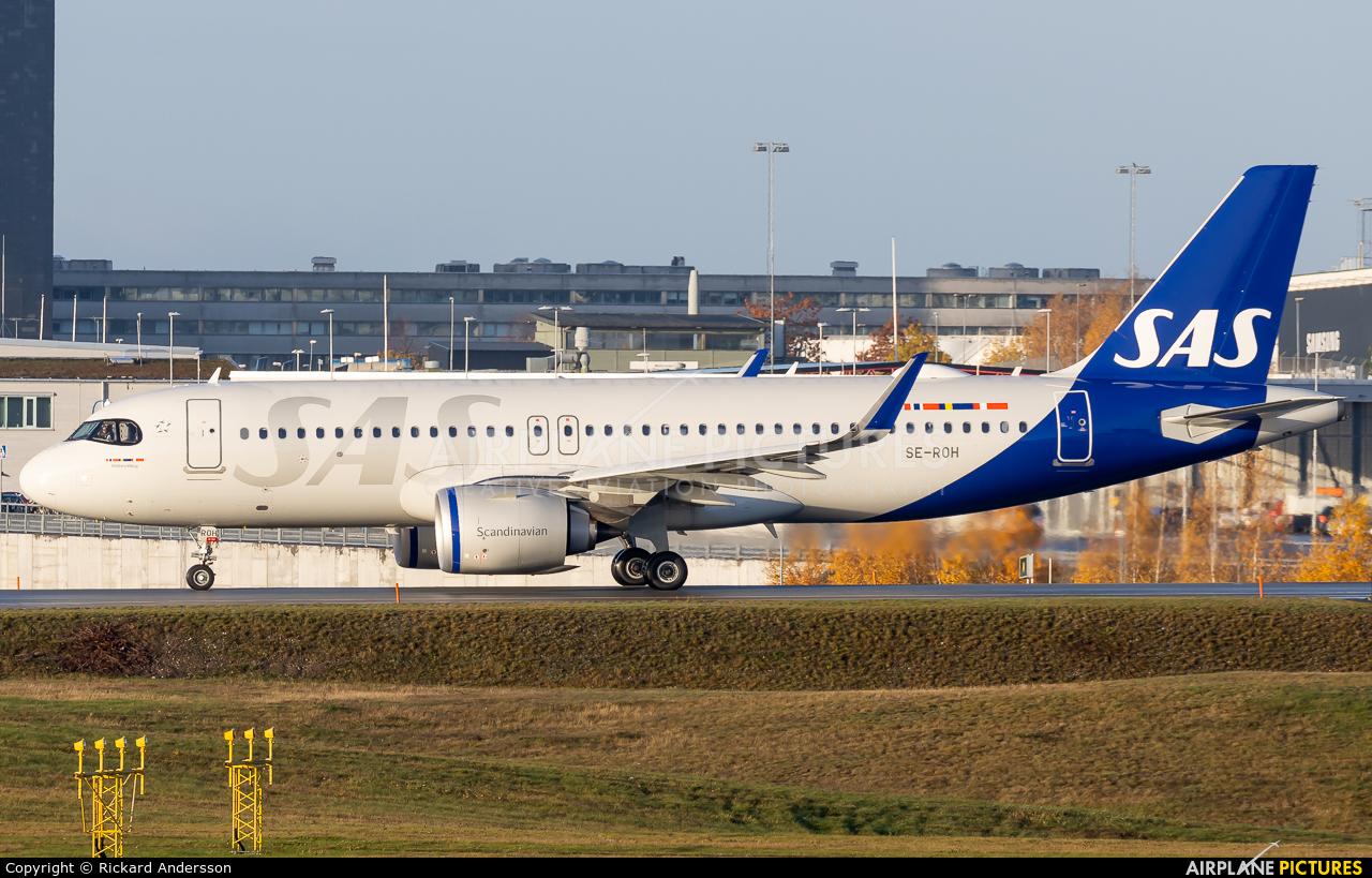 SAS - Scandinavian Airlines SE-ROH aircraft at Stockholm - Arlanda