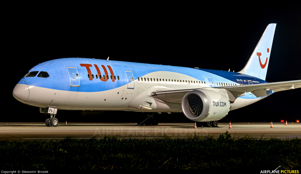 TUI Airlines Netherlands PH-TFL aircraft at Katowice - Pyrzowice