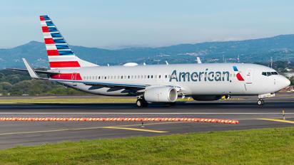 N346PR - American Airlines Boeing 737-800