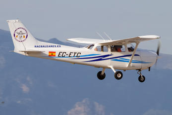 EC-ETC - Private Cessna 172 Skyhawk (all models except RG)