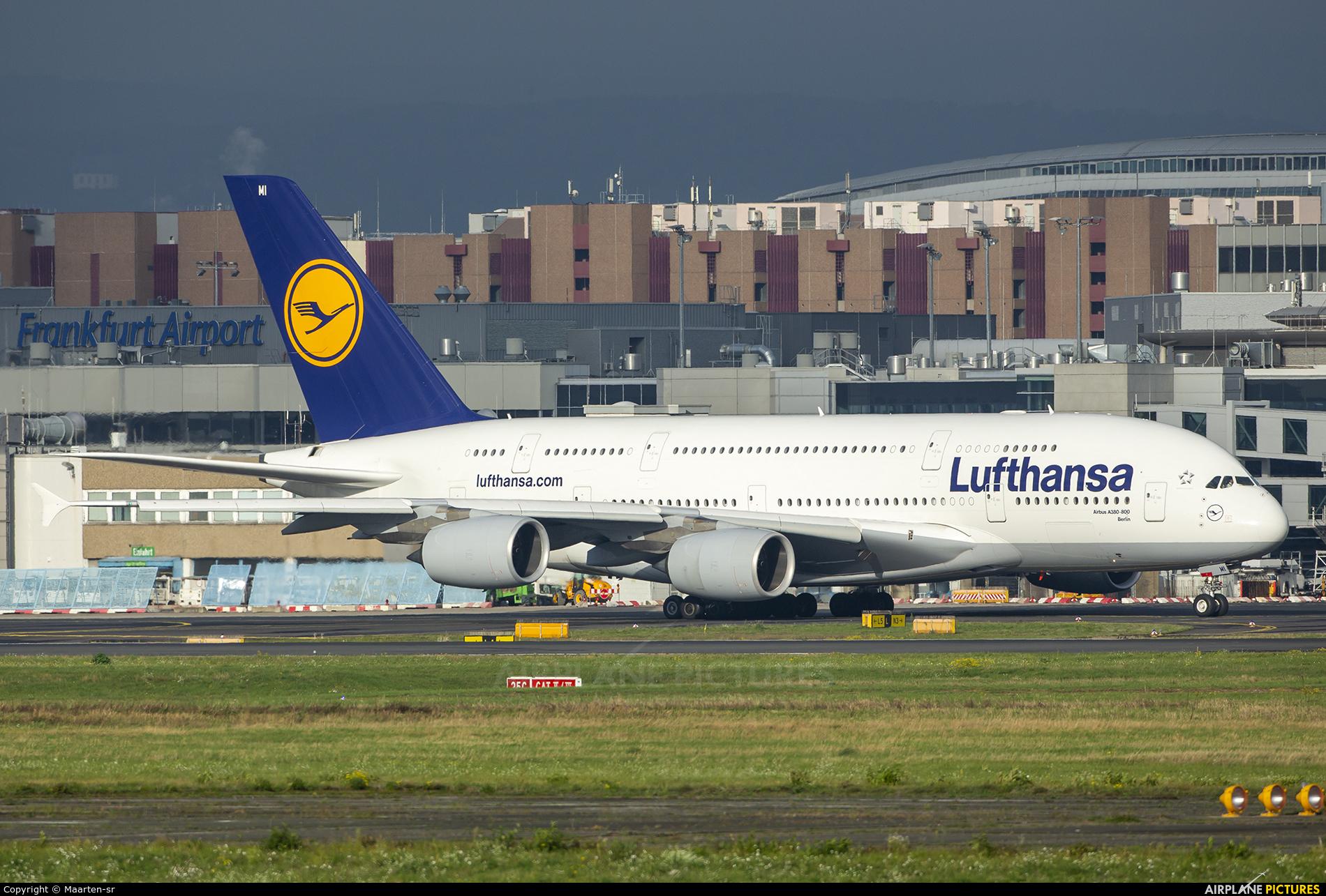 Lufthansa D-AIMI aircraft at Frankfurt