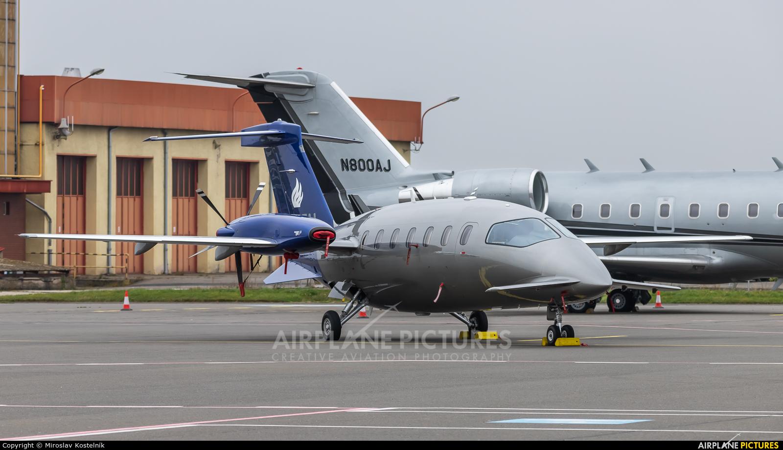 Private M-ETAL aircraft at Ostrava Mošnov