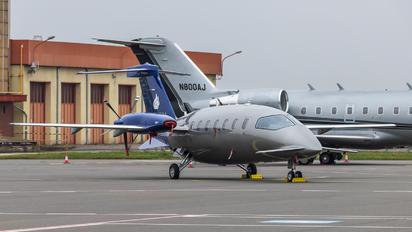 M-ETAL - Private Piaggio P.180 Avanti I & II