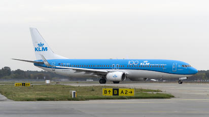 PH-BXP - KLM Boeing 737-900