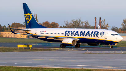 SP-RSH - Ryanair Sun Boeing 737-8AS