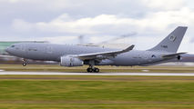 Touch & go training of NATO A330MRTT at Munich Airport title=
