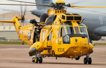 XZ592 - Royal Air Force Westland Sea King HAR.3