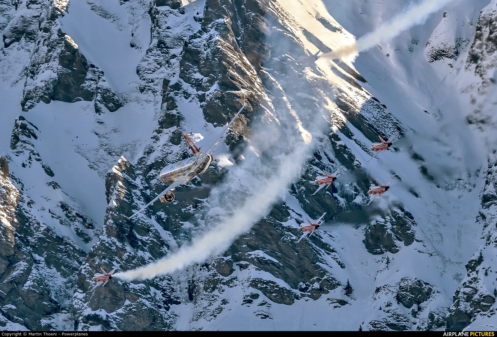 Switzerland - Air Force: Patrouille Suisse J-3087 aircraft at Lauberhorn