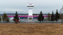 - - - Airport Overview - Airport Overview - Terminal Building aircraft
