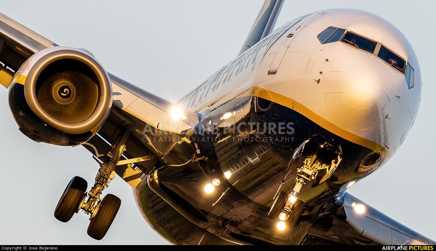 Ryanair EI-EGD aircraft at Seville - San Pablo
