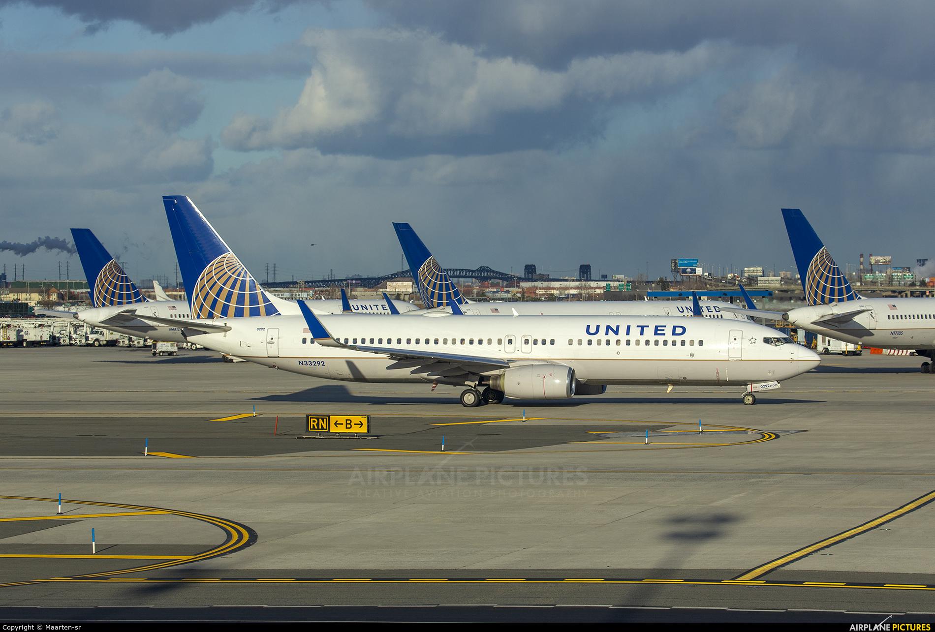 United Airlines N33292 aircraft at Newark Liberty Intl