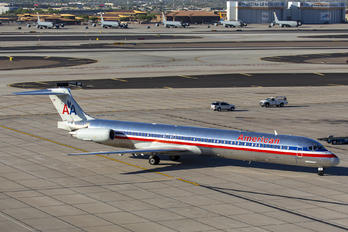 N491AA - American Airlines McDonnell Douglas MD-82