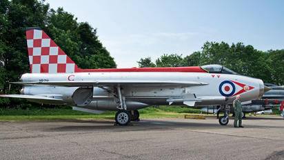XR713 - Royal Air Force English Electric Lightning F.3