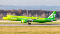 OE-IOG - S7 Airlines Airbus A321 aircraft
