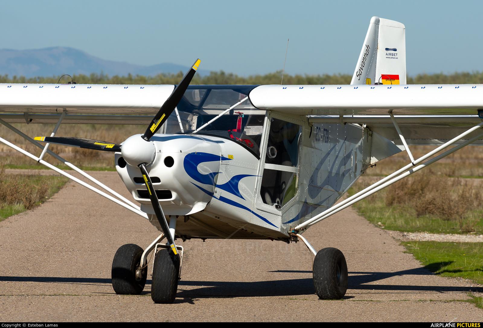 Private EC-FZ9 aircraft at Casarrubios del Monte