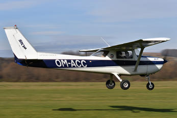 OM-ACC - Private Cessna 150