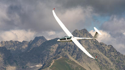 D-KWOS - Private DG Flugzeugbau DG-1001