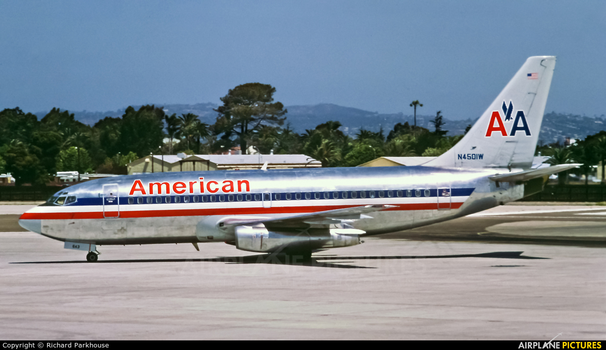 American Airlines N4501W aircraft at San Diego - Lindbergh Field