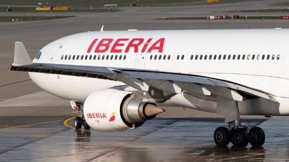 EC-MAA - Iberia Airbus A330-300