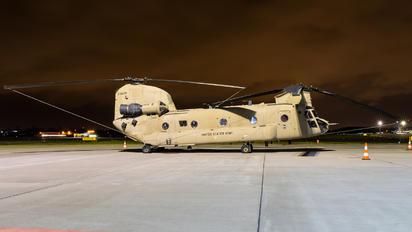 04-08709 - USA - Army Boeing CH-47F Chinook