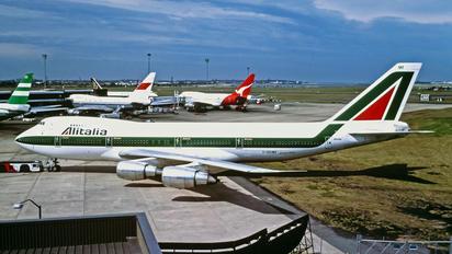 I-DEMF - Alitalia Boeing 747-200