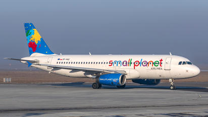 SP-HAG - Small Planet Airlines Airbus A320