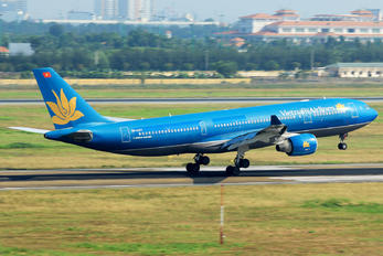 VN-A377 - Vietnam Airlines Airbus A330-200