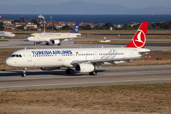 TC-JSC - Turkish Airlines Airbus A321