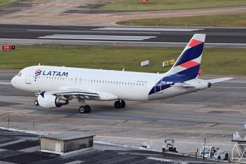 PR-MHP - LATAM Airbus A320