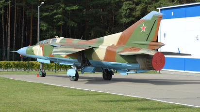 71 - Belarus - Air Force Mikoyan-Gurevich MiG-23UB