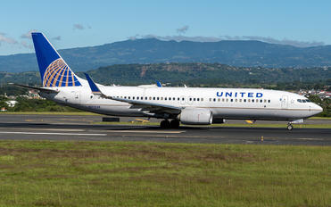 N77539 - United Airlines Boeing 737-800