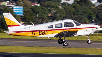 TI-BBI - Private Piper PA-28 Warrior