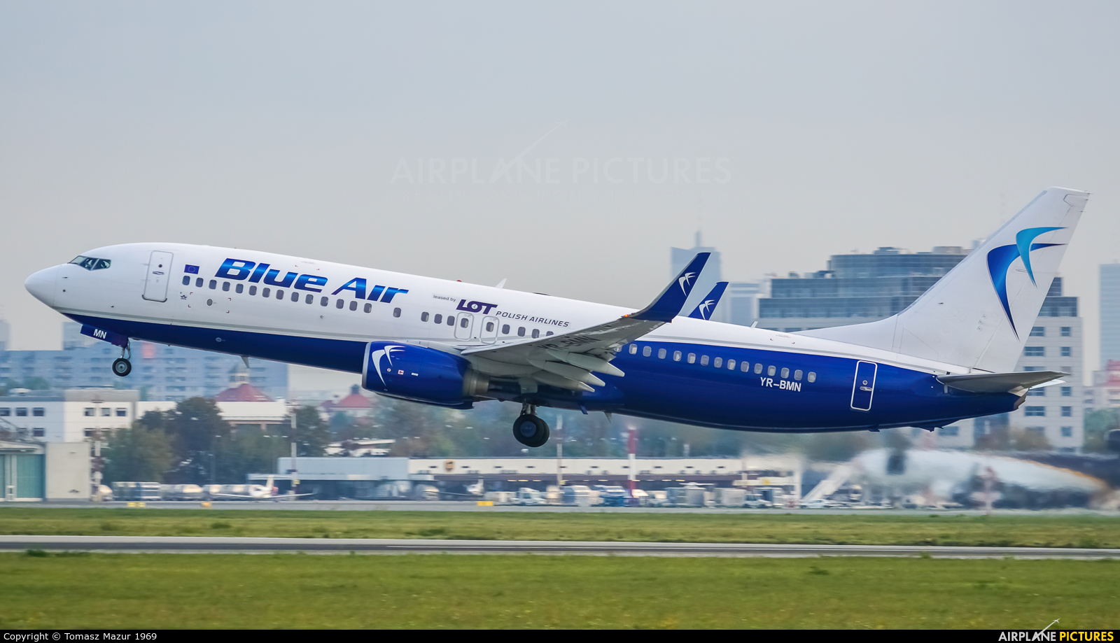 Blue Air YR-BMN aircraft at Warsaw - Frederic Chopin