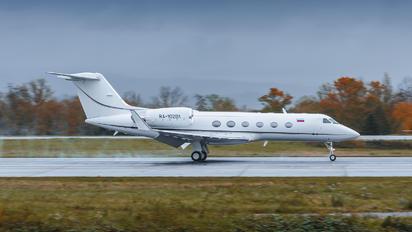 RA-10201 - UTair Gulfstream Aerospace G-IV,  G-IV-SP, G-IV-X, G300, G350, G400, G450