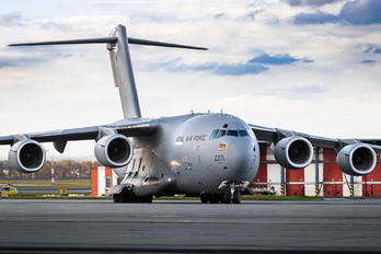 ZZ175 - Royal Air Force Boeing C-17A Globemaster III