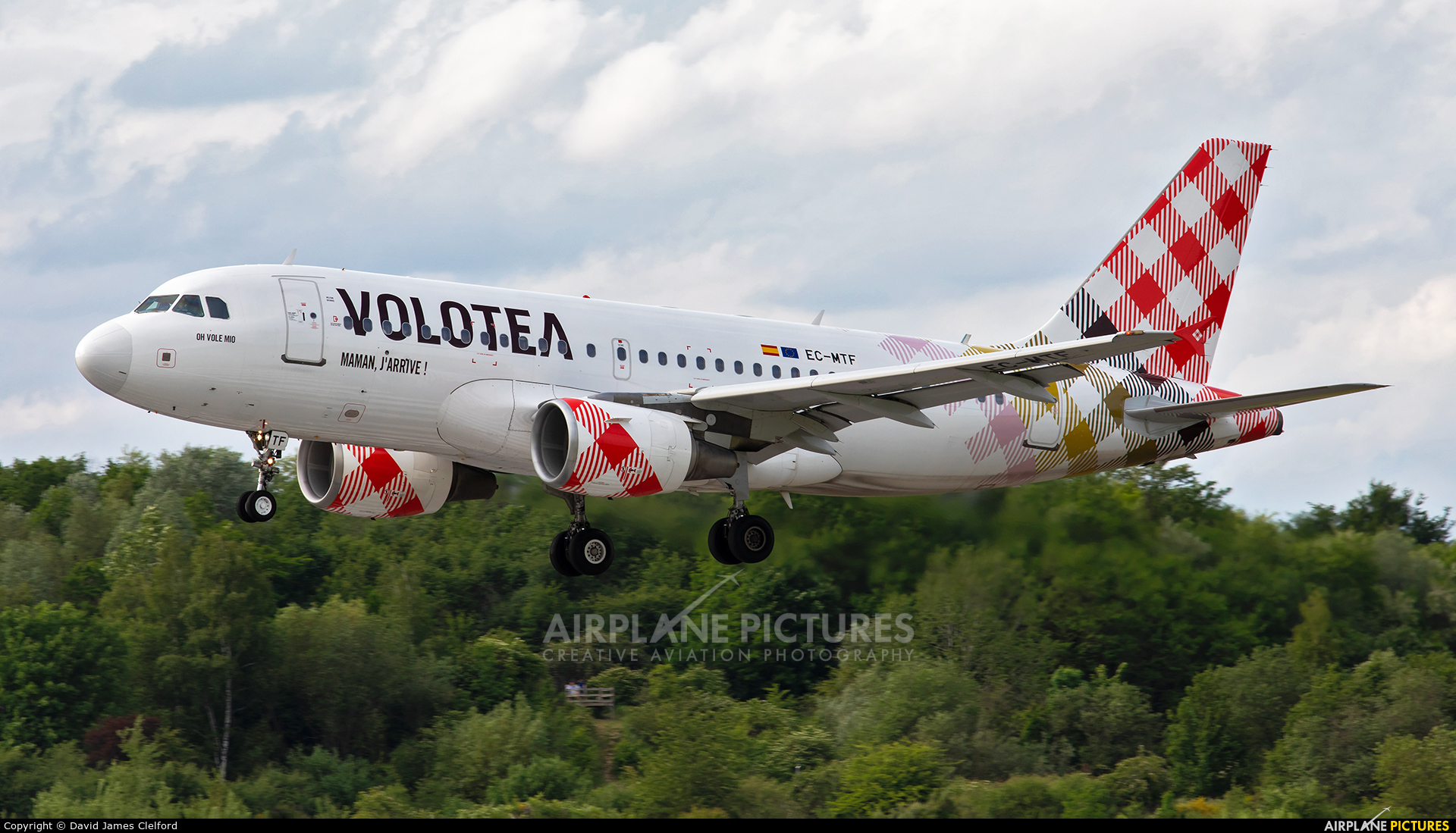 Volotea Airlines EC-MTF aircraft at Luxembourg - Findel
