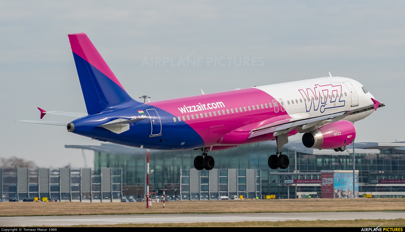 Wizz Air HA-LWH aircraft at Wrocław - Copernicus