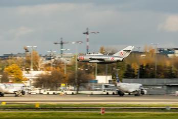 - - Poland - Navy PZL Lim-2