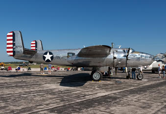NL1042B - Private North American B-25J Mitchell
