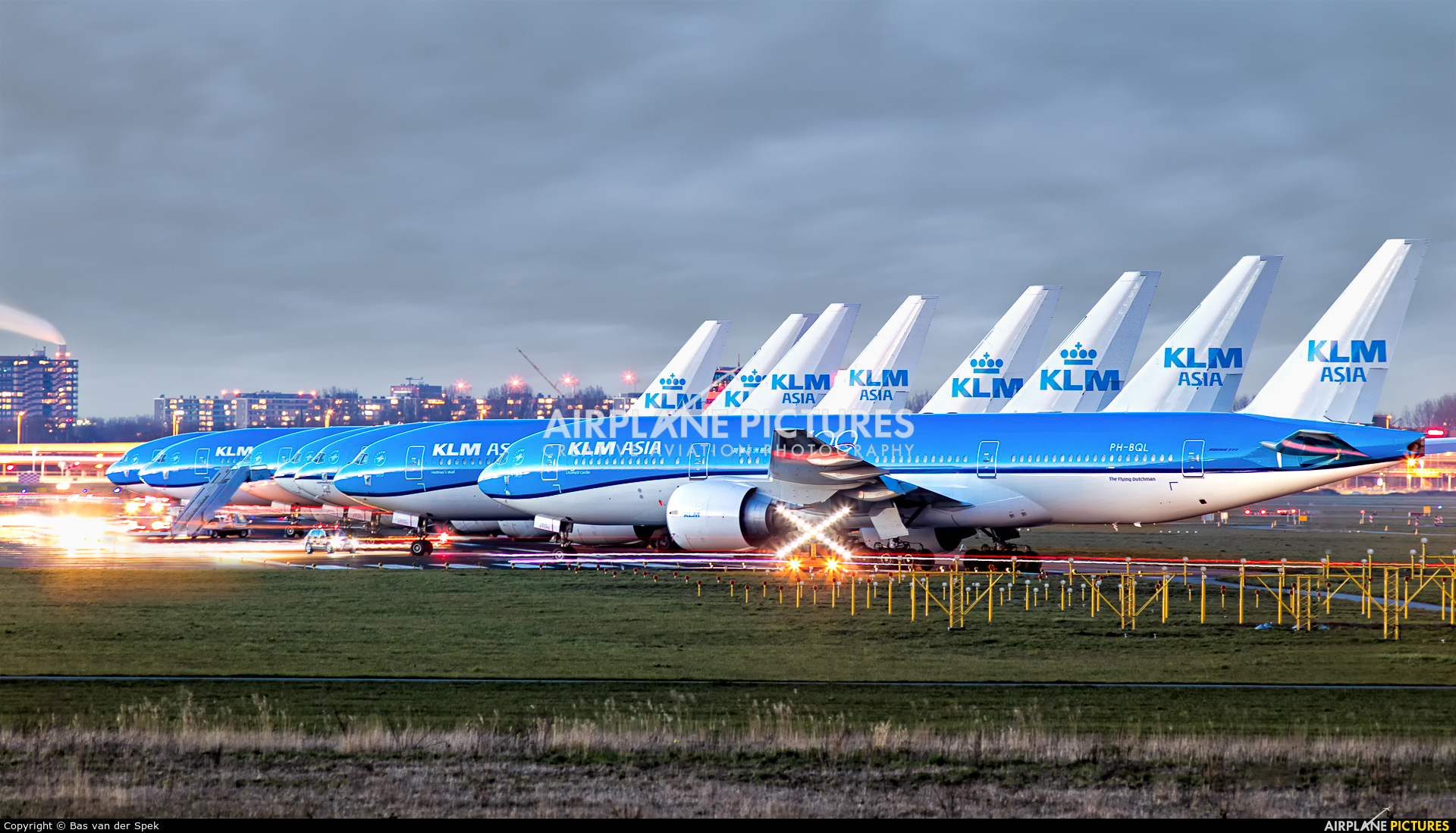 - Airport Overview PH-BQL aircraft at Amsterdam - Schiphol