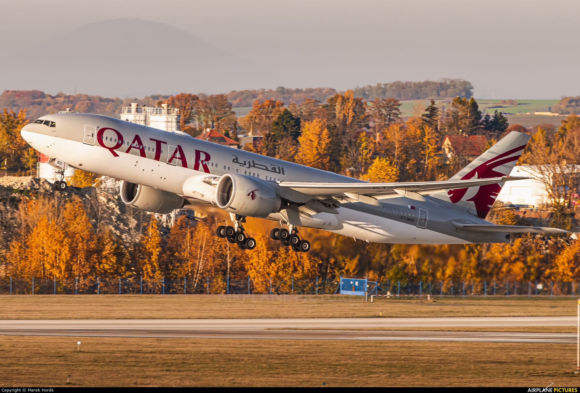 Qatar Airways A7-BBD aircraft at Prague - Václav Havel