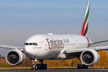 A6-EWC - Emirates Airlines Boeing 777-200LR